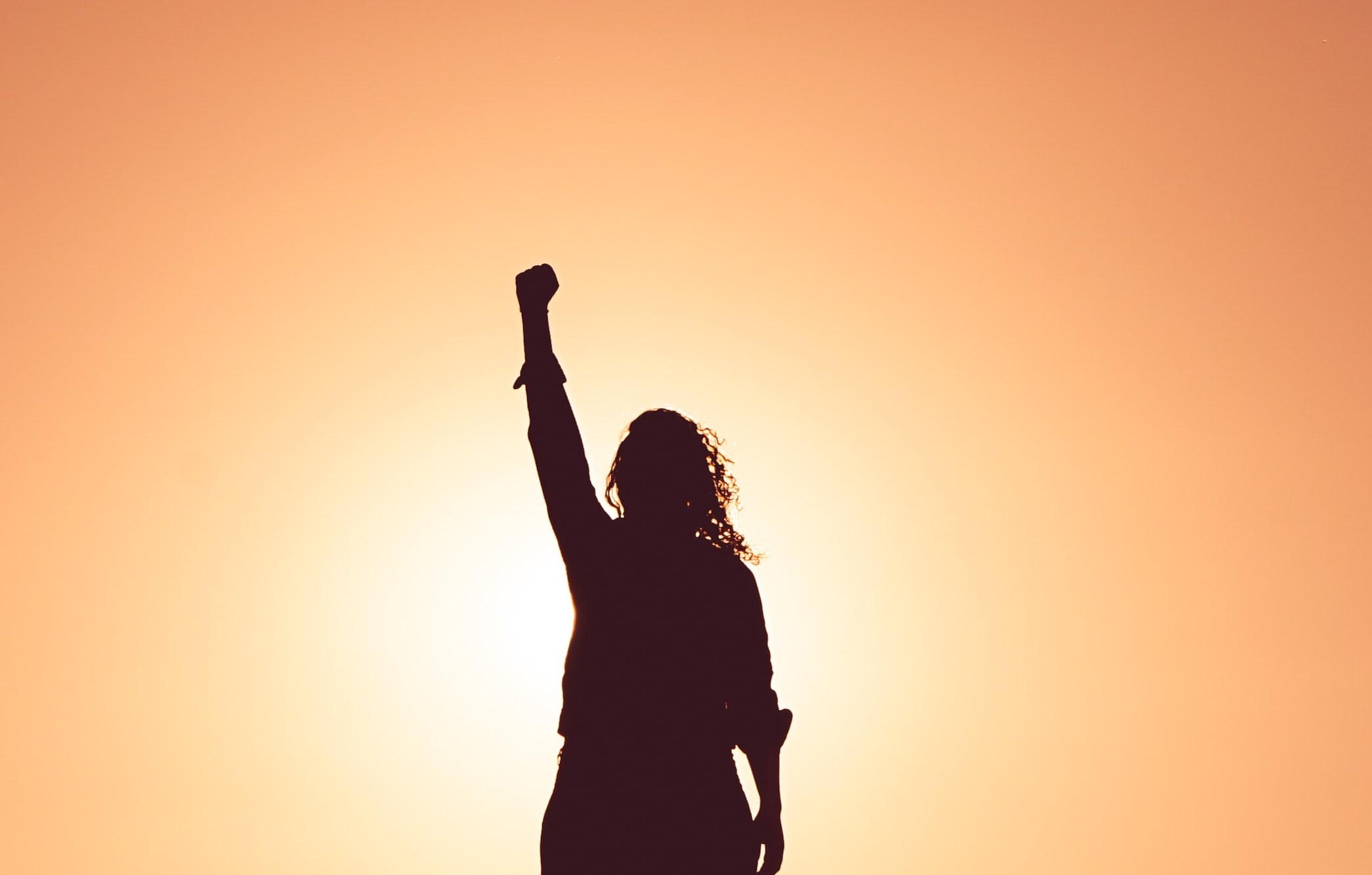 femme lutte stigmatisation bipolaire
